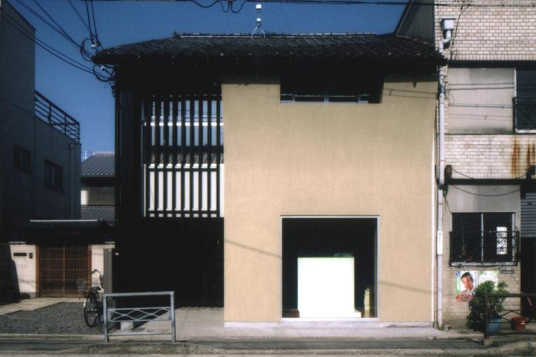 旧東本願寺休憩所の靴屋